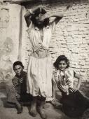 "Jacques Léonard, ""Passatge de la Vinyeta"", c.1950, Barcelona, Vintage, 23,6 x 17,6 cm ©Arxiu Família Jacques Léonard"